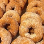 homemade-cider-donuts-mann-orchards