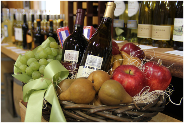 gift-baskets-at-mann-orchards