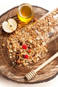 homemade-dried-fruit-nut-granola