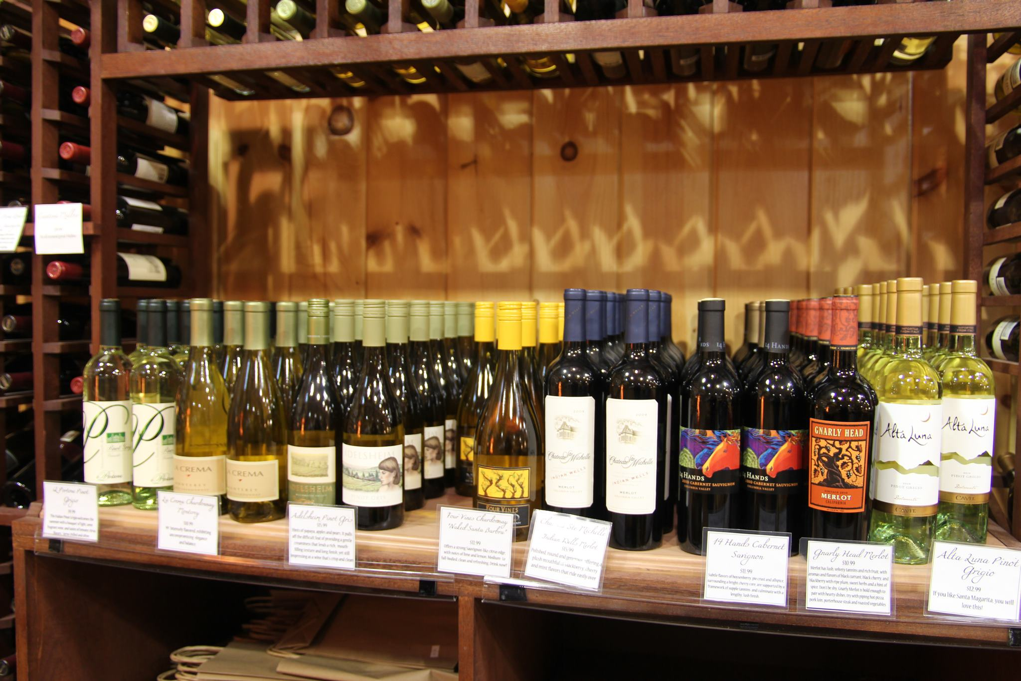 white-wines-at-mann-orchards